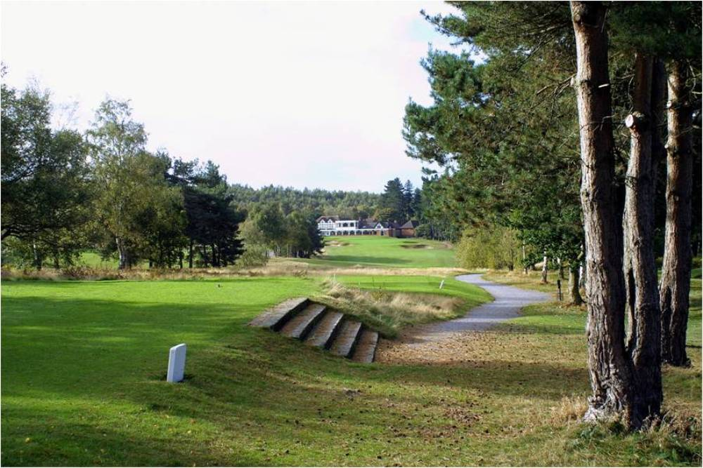 Tee on the Sherwood Forest golf course
