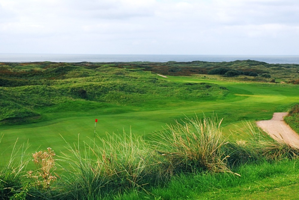 Long hole on Pyle and Kenfig golf course