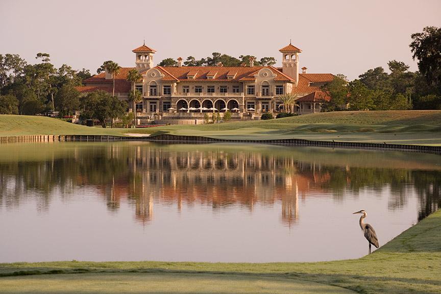Reflet du club house de Sawgrass en Floride