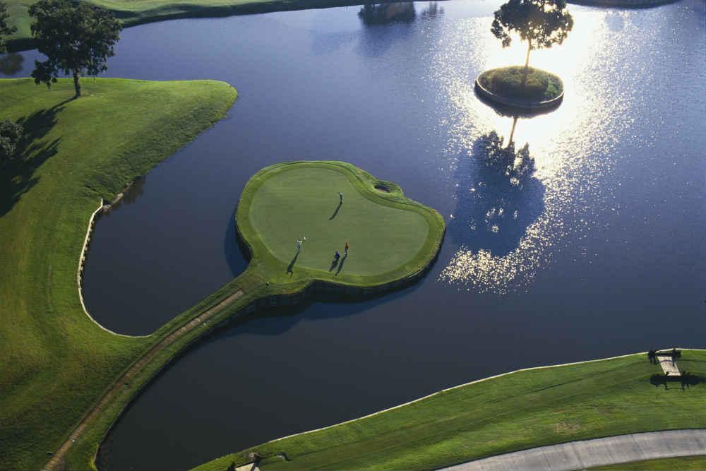 Vue aérienne du trou 17 du Players au TPC Sawgrass