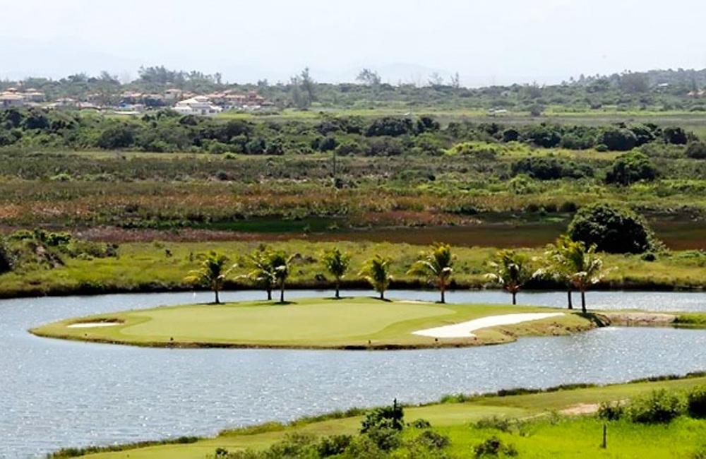 Island green at the Buzios Golf Club, close to Rio de Janeiro, Brazil