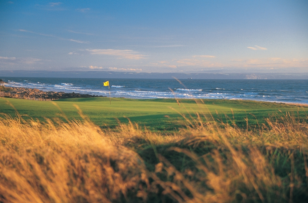 Green and sea on the Royal Porthcawl golf course