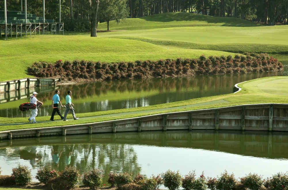 Le fameux pont vers le green du 17 au Players de Sawgrass