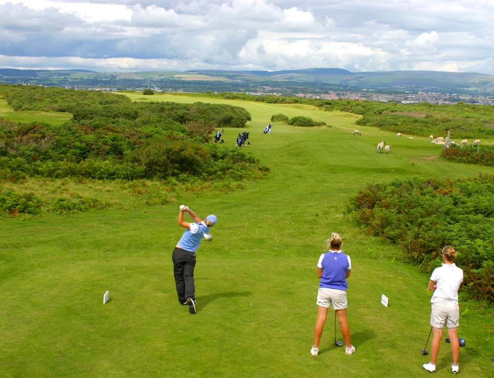 Players on the tee on Southerndown golf course