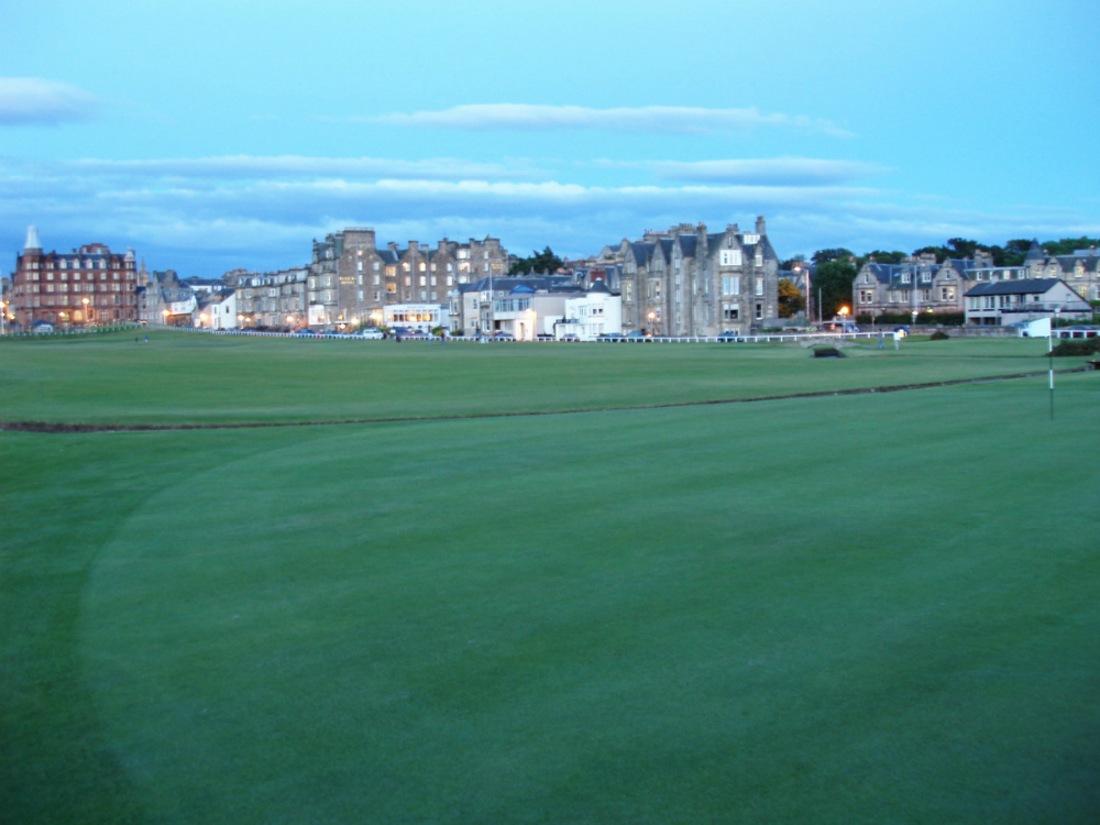 1st hole on the Old Course at St Andrews