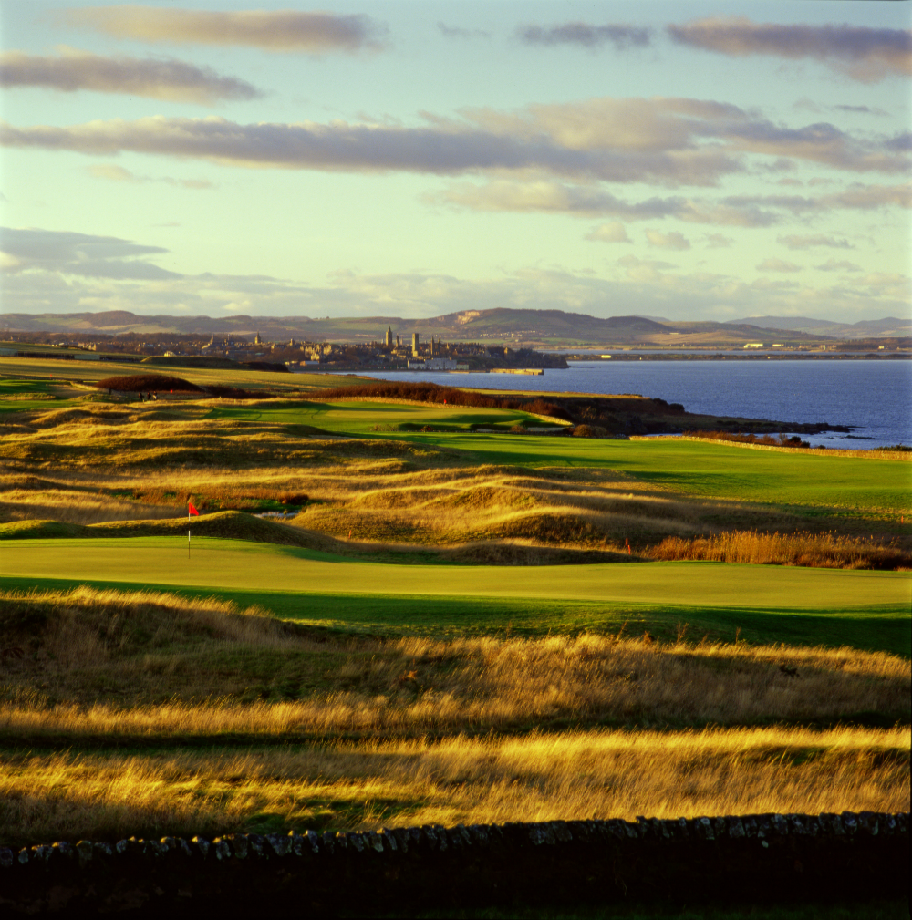 St Andrews behind the Torrance 9th hole