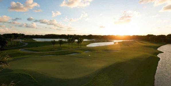 Coucher de soleil sur le Red Tiger au Doral en Floride
