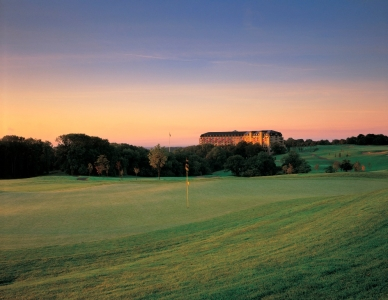 Green and hotel on the Roman Road course at Celtic Manor