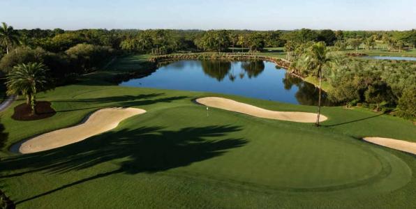 Vue aérienne du 15ème green du parcours Silver Fox en Floride