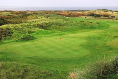 Large green on Pyle and Kenfig golf course