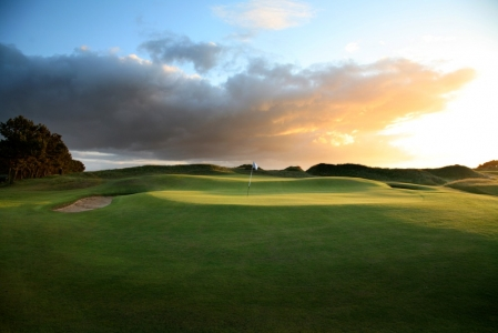Elevated green at Dundonald Links