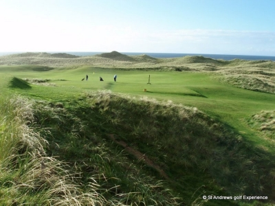Golfers at Machrihanish
