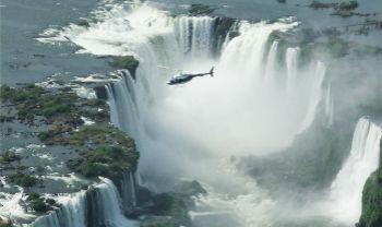 Luftaufnahme der Iguassu Wasserfälle